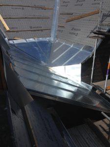 Blechdach mit drei schrägen in Stehfalztechnik aus Titanzink in Fürth
